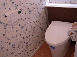 トイレリフォーム トイレ・洗面共に明るくオシャレな空間に