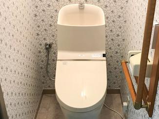 トイレリフォーム 節水もでき一回り小さい最新式のトイレ