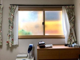 エクステリアリフォーム プライバシーに配慮した型ガラスで防犯対策にもなる窓