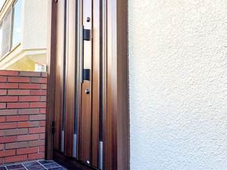 エクステリアリフォーム 断熱仕様で熱が伝わりにくく見た目も綺麗な玄関ドア