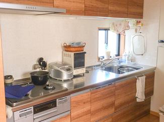 キッチンリフォーム 調理スペースも確保したスマートなI型キッチン