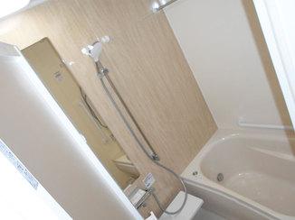 バスルームリフォーム 窓を無くして暖かくなった浴室
