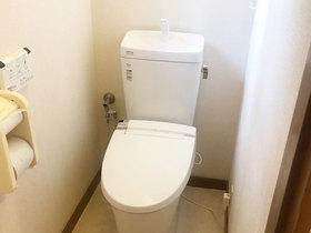 トイレリフォームフチのない掃除のしやすいトイレ