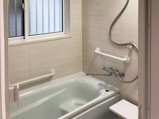 バスルームリフォーム 断熱性能の高い窓をつけた暖かい浴室