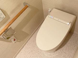 トイレリフォーム アイボリーでまとめた落ち着くトイレ空間