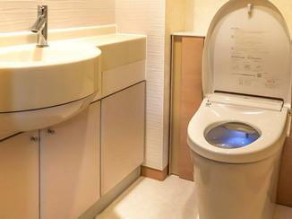 トイレリフォーム エコカラットで湿気対策した、掃除がしやすいトイレ