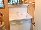 洗面リフォーム収納を広く使える便利な洗面台