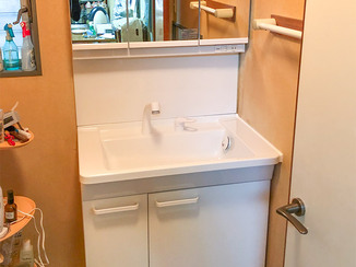 洗面リフォーム 収納を広く使える便利な洗面台