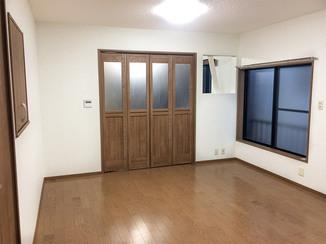内装リフォーム ひろびろ明るい床暖房付きの洋室